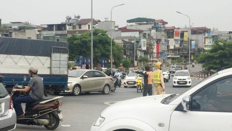 """Hà Nội công bố xóa sổ 6 """"điểm đen"""" ùn tắc giao thông"""