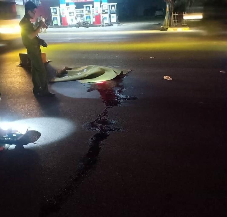 Đi bộ sang đường, một nam thanh niên bị xe máy đâm tử vong tại chỗ