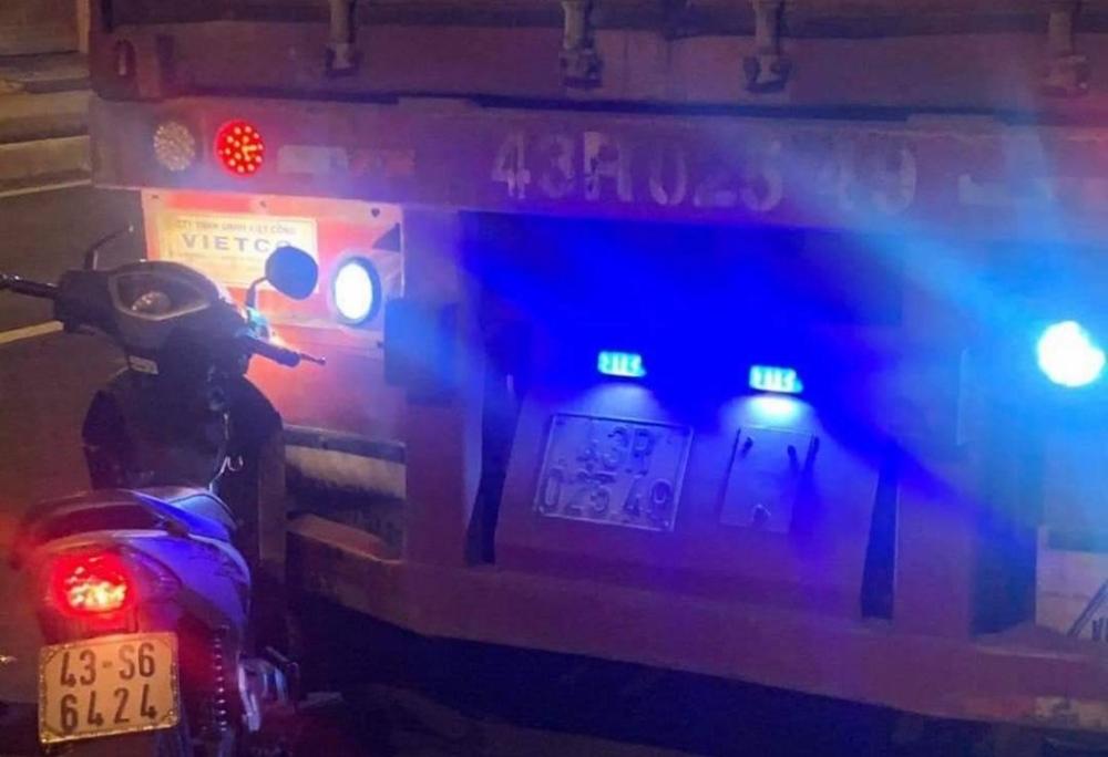 Đà Nẵng: Xe máy va chạm xe container, người đàn ông tử vong thương tâm