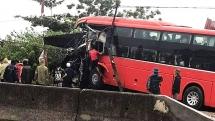 Thanh Hóa: Xe giường nằm mất lái đâm thẳng vào nhà dân