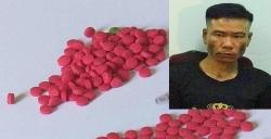 Bắt giữ đối tượng vận chuyển hơn 350 viên ma túy tổng hợp