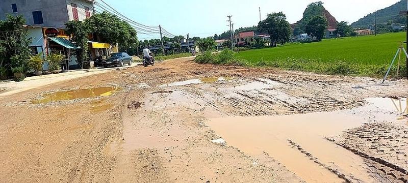 Thanh Hóa: Mượn đường thi công dự án, cày nát đường nhưng không sửa