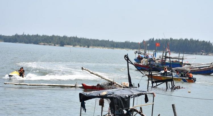 Cháy tàu cá của ngư dân, 3 người chết, 9 người bị thương