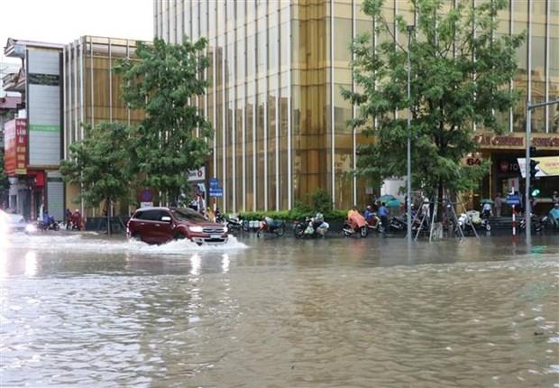 Bắc Bộ mưa lớn kèm nguy cơ lũ quét, Hà Nội cảnh báo ngập úng