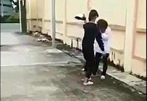 Công an vào cuộc vụ nữ sinh bị đánh bằng mũ bảo hiểm ở Thanh Hóa