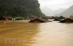 Miền Trung có mưa rất to, Quảng Bình-Quảng Nam ngập lụt sâu