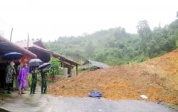 Thanh Hóa: Di dời khẩn cấp hơn 70 người do sạt lở đất