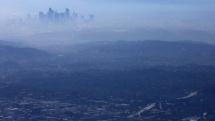 """Hàng loạt nước trên thế giới """"loay hoay"""" trong cuộc chiến chống ô nhiễm không khí"""
