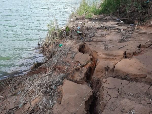 Tin môi trường tuần qua: Sạt lở bờ sông ở Quảng Trị ngày càng trầm trọng, dân chạy lũ giữa mùa khô