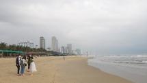 Đà Nẵng: Tạm dừng hoạt động tắm biển tại các bãi tắm công cộng