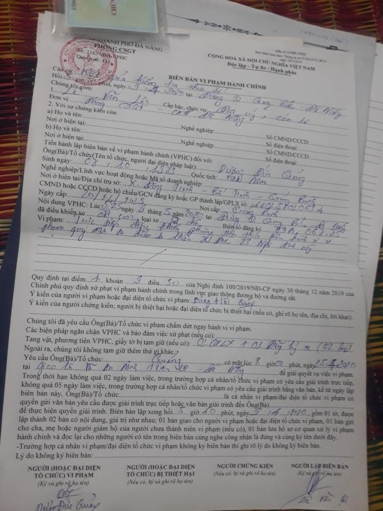 """Đà Nẵng: Bất chấp lệnh cấm, tài xế vẫn ngang nhiên vận chuyển khách """"chui"""""""