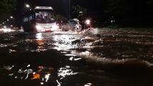 Đà Nẵng tiếp tục mưa to, nhiều khu vực bị ngập úng