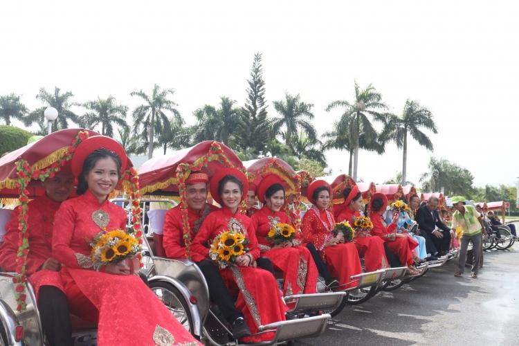 Chùm ảnh: Trọn vẹn đám cưới cưới tập thể cho công nhân nghèo ở TP Đà Nẵng