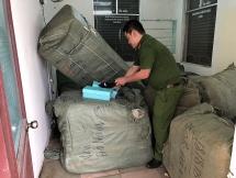 CLIP: Chặn đứng 8 tấn hàng lậu từ Trung Quốc về Ga Đà Nẵng