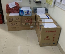 Đà Nẵng: Nhóm người Trung Quốc ngang nhiên gạ người dân mua hàng rởm