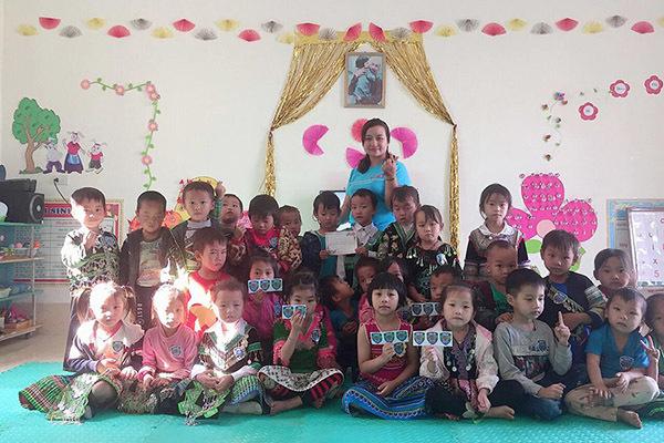 Cô giáo mầm non bán nông sản sạch gây quỹ cho học sinh vùng cao