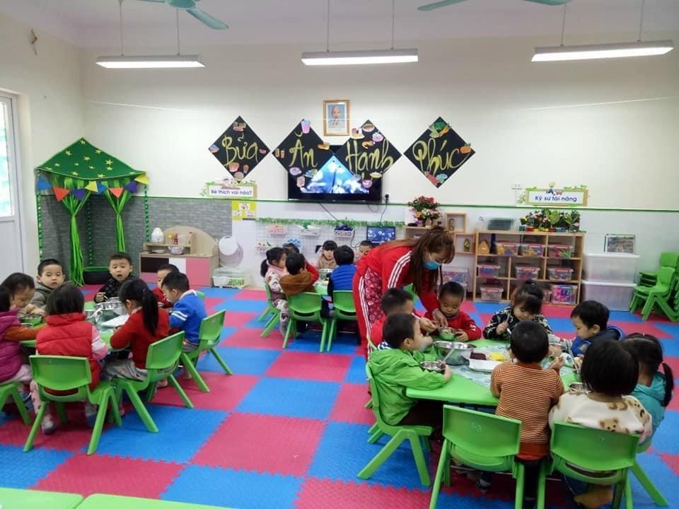 Trường học ở Hà Nội linh hoạt giải pháp ứng phó với rét đậm, rét hại