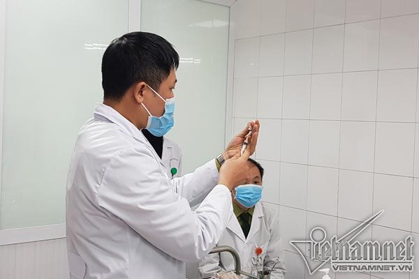 Ngày mai, Việt Nam tiêm mũi 2 vắc xin Nanocovax