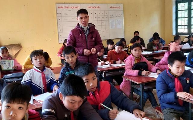 Ký nợ cho giáo viên có túi quà về quê ăn Tết - 6