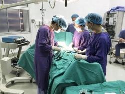 Phẫu thuật ở phòng khám tư, nam thanh niên suýt hoại tử dương vật