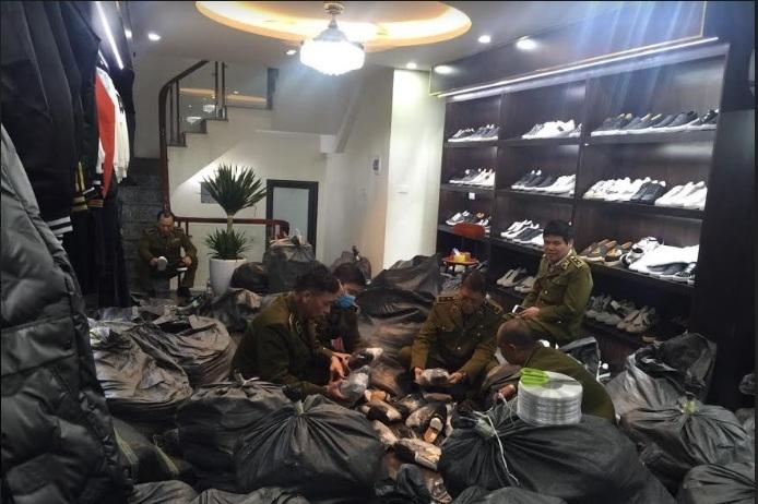 Chuỗi cửa hàng AE Shop Việt Nam bán hàng giả mạo thương hiệu nổi tiếng