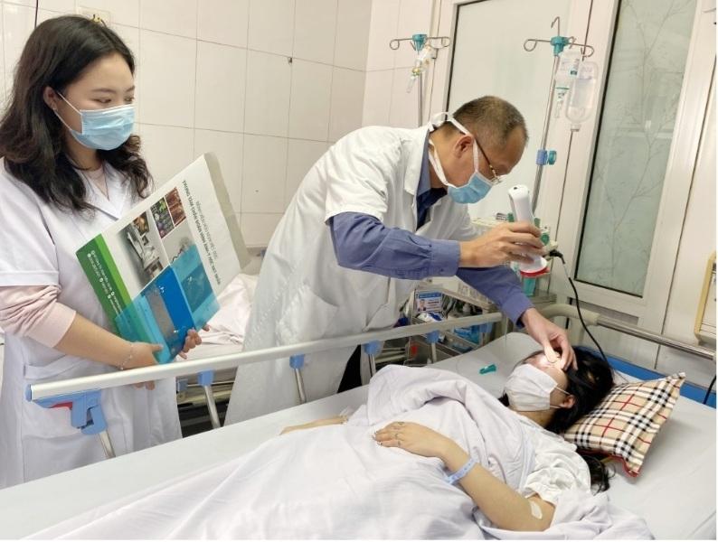 Tiêm filler đón Tết, cô gái trẻ nhập viện cấp cứu vì mù mắt