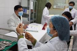 Việt Nam cấp phép vắc xin ngừa Covid-19 đầu tiên, chuẩn bị tiêm diện rộng
