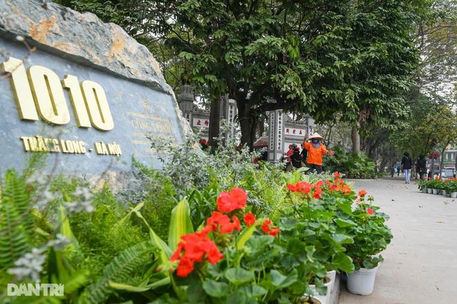 Hà Nội khoác áo mới rực rỡ chào đón Tết Tân Sửu 2021 - 4
