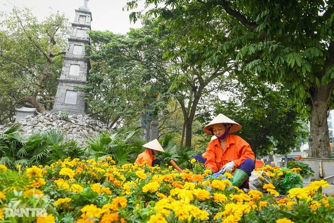Hà Nội khoác áo mới rực rỡ chào đón Tết Tân Sửu 2021 - 5
