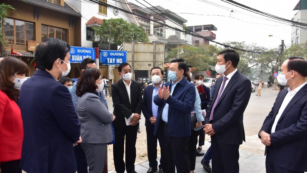 Bí thư Thành ủy Vương Đình Huệ: Tập trung truy vết, tìm bằng được nguồn lây của bệnh nhân 2229