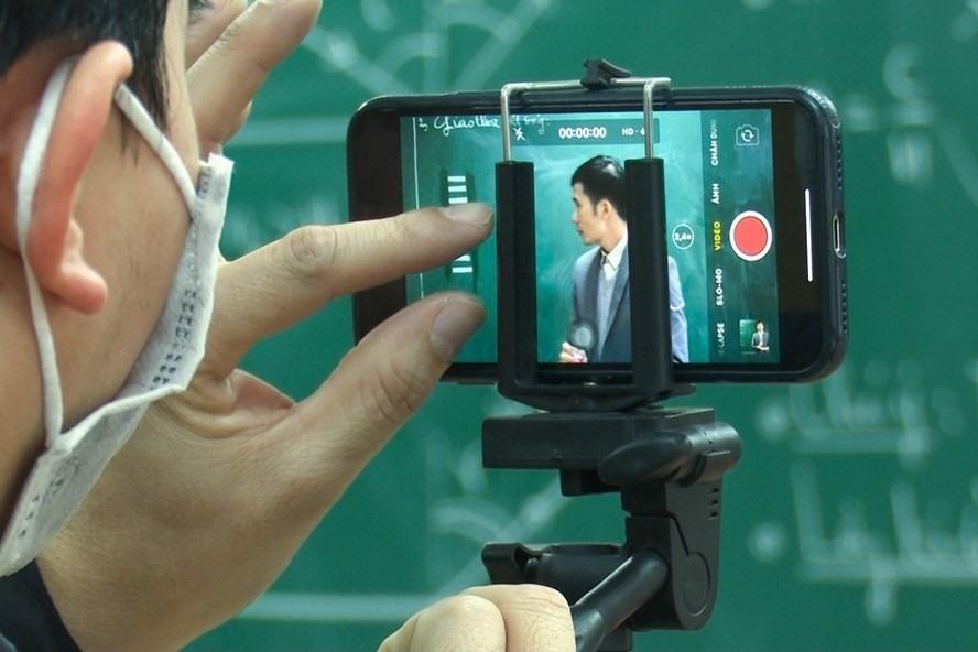 Để học online không còn là nỗi lo của phụ huynh và học sinh