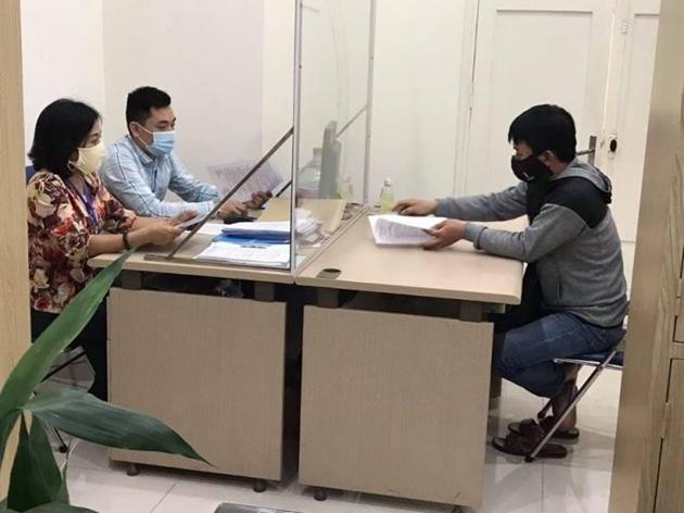 Hà Nội xử phạt 2 cá nhân loan truyền tin sai về Covid-19