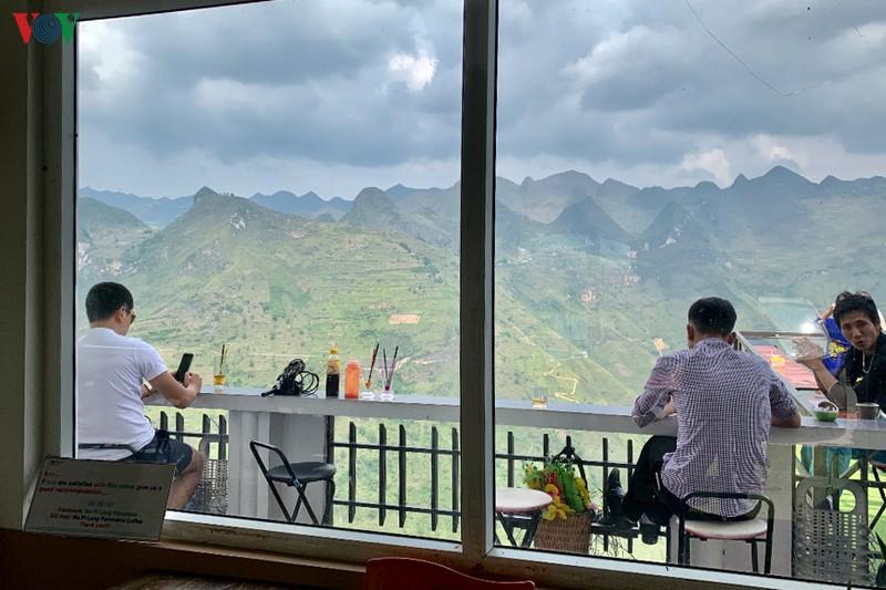 ha giang khong pha do cai tao ma pi leng panorama thanh diem dung chan
