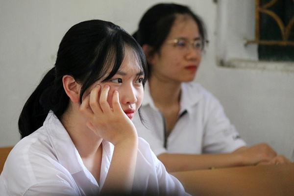 Băn khoăn bỏ hay giữ môn thi thứ 4 vào lớp 10 Hà Nội