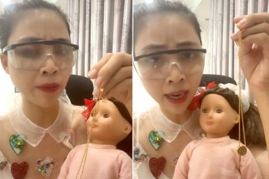Hình ảnh cắt từ video gây tranh cãi của Youtuber Thơ Nguyễn