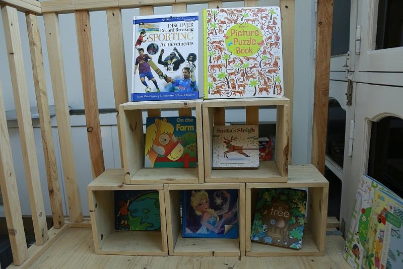 Người mở nhà sách miễn phí, truyền cảm hứng học tiếng Anh cho trẻ em Việt