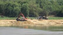 """Bình Định: Sông Lại Giang """"kêu cứu"""" vì doanh nghiệp không hoàn thổ sau khai thác cát"""