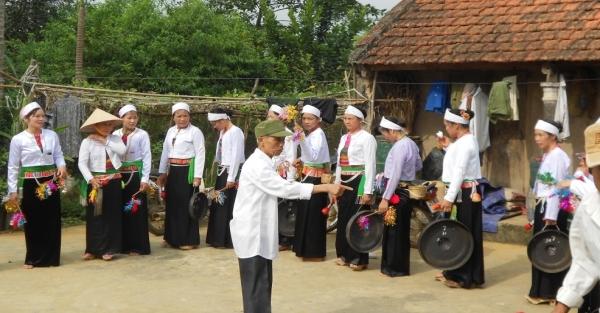 Bảo tồn và phát huy các giá trị văn hóa dân tộc Mường ở Ba Vì
