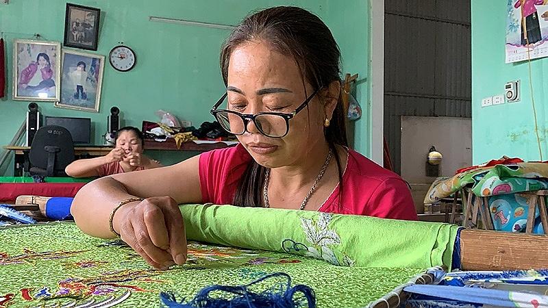 Hồn cốt làng nghề và công cuộc mở thị trường cho giá trị di sản:
