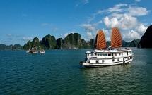 Quảng Ninh: Cho phép lưu trú qua đêm trên Vịnh Hạ Long từ 4/5