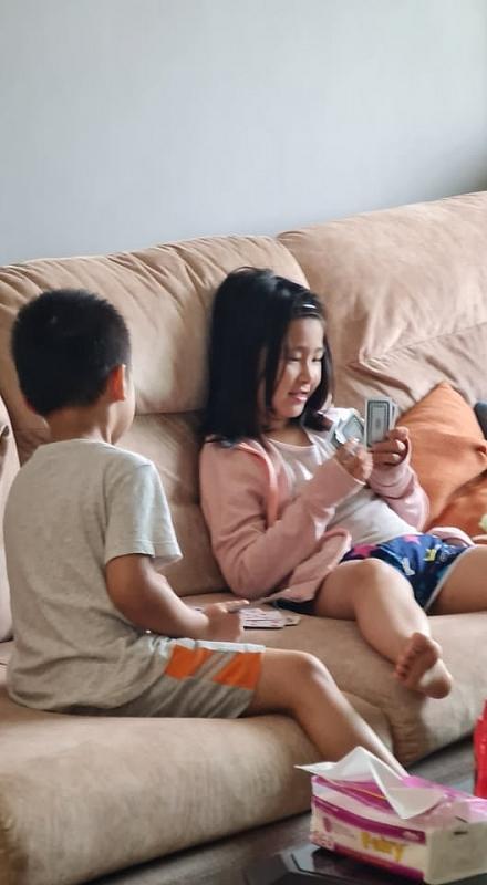 Phụ huynh Hà Nội nháo nhào tìm người trông con sau thông báo nghỉ học