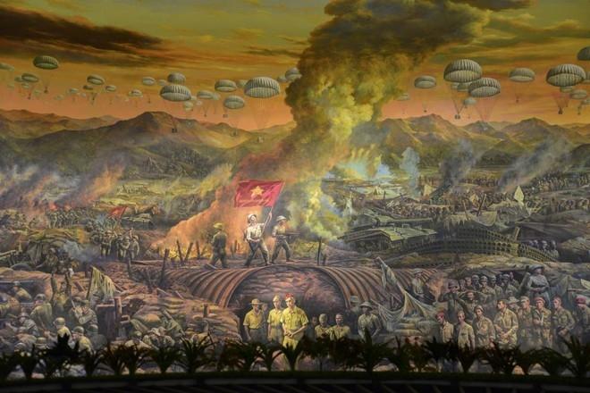 Hình ảnh trong bức tranh khổng lồ tái hiện chiến thắng Điện Biên Phủ