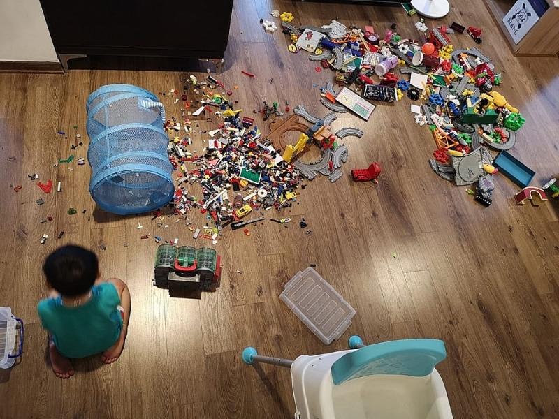 Trẻ ở nhà tránh dịch Covid 19, bố mẹ điên đầu vì những trò 'nhất quỷ nhì ma'