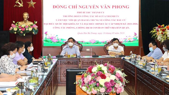Phó Bí thư Thành ủy Nguyễn Văn Phong làm việc với quận Hai Bà Trưng sáng 10/5
