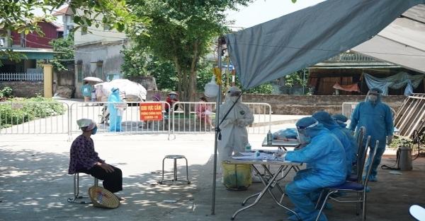 Kiểm tra công tác phòng, chống dịch Covid-19 tại xã Hiệp Thuận, huyện Phúc Thọ