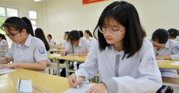 Phụ huynh, học sinh mong mỏi Hà Nội bỏ môn thi thứ tư trong kỳ thi vào lớp 10