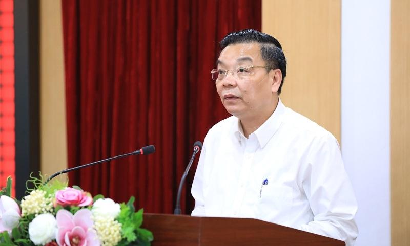 Chủ tịch UBND thành phố Hà Nội Chu Ngọc Anh phát biểu, trình bày chương trình hành động trước cử tri quận Đống Đa