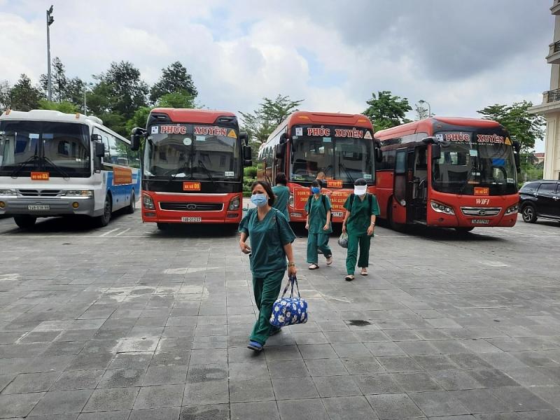 200 y bác sĩ Quảng Ninh đến KCN Quang Châu   Bắc Giang lấy mẫu xét nghiệm Covid-19
