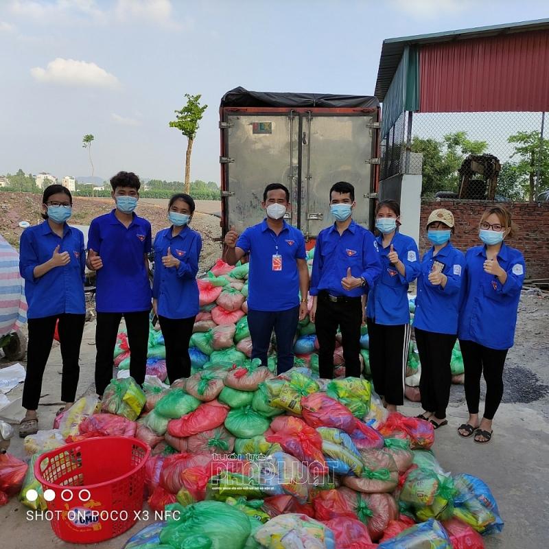 """Bắc Giang: Trưởng Công an xã """"xuất thần"""" làm thơ cổ vũ tinh thần chống """"giặc"""" Covid-19"""