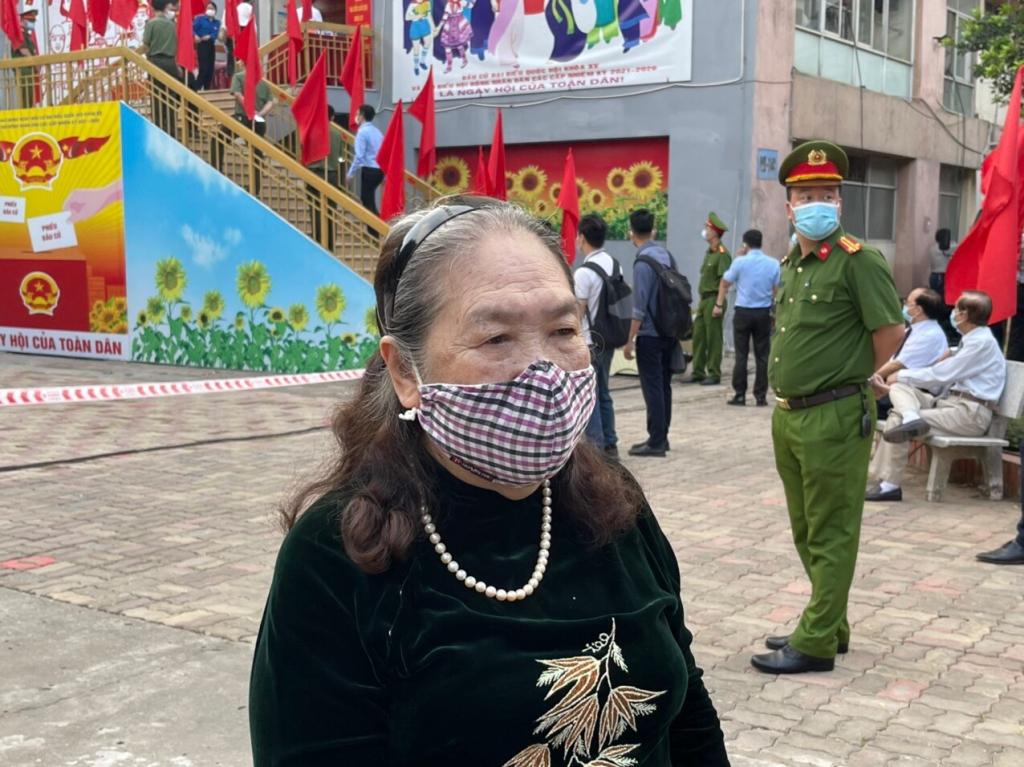 Bà Nguyễn Thị Minh Khoa tham gia bầu cử